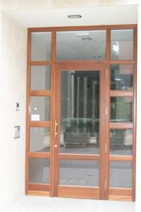 Puerta portal 1